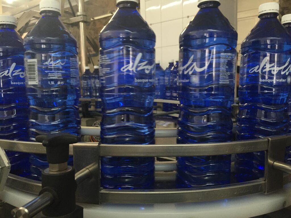 Alzola mejora ratios de calidad de envase, empleabilidad y proveedores locales