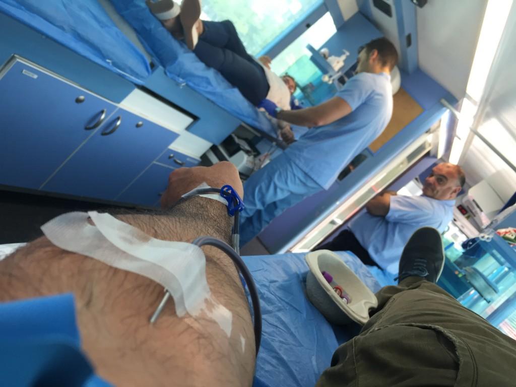 En Alzola donamos Sangre para el Centro de Transfusión y Tejidos Humanos de Euskadi, Agua y Sangre son Vida.