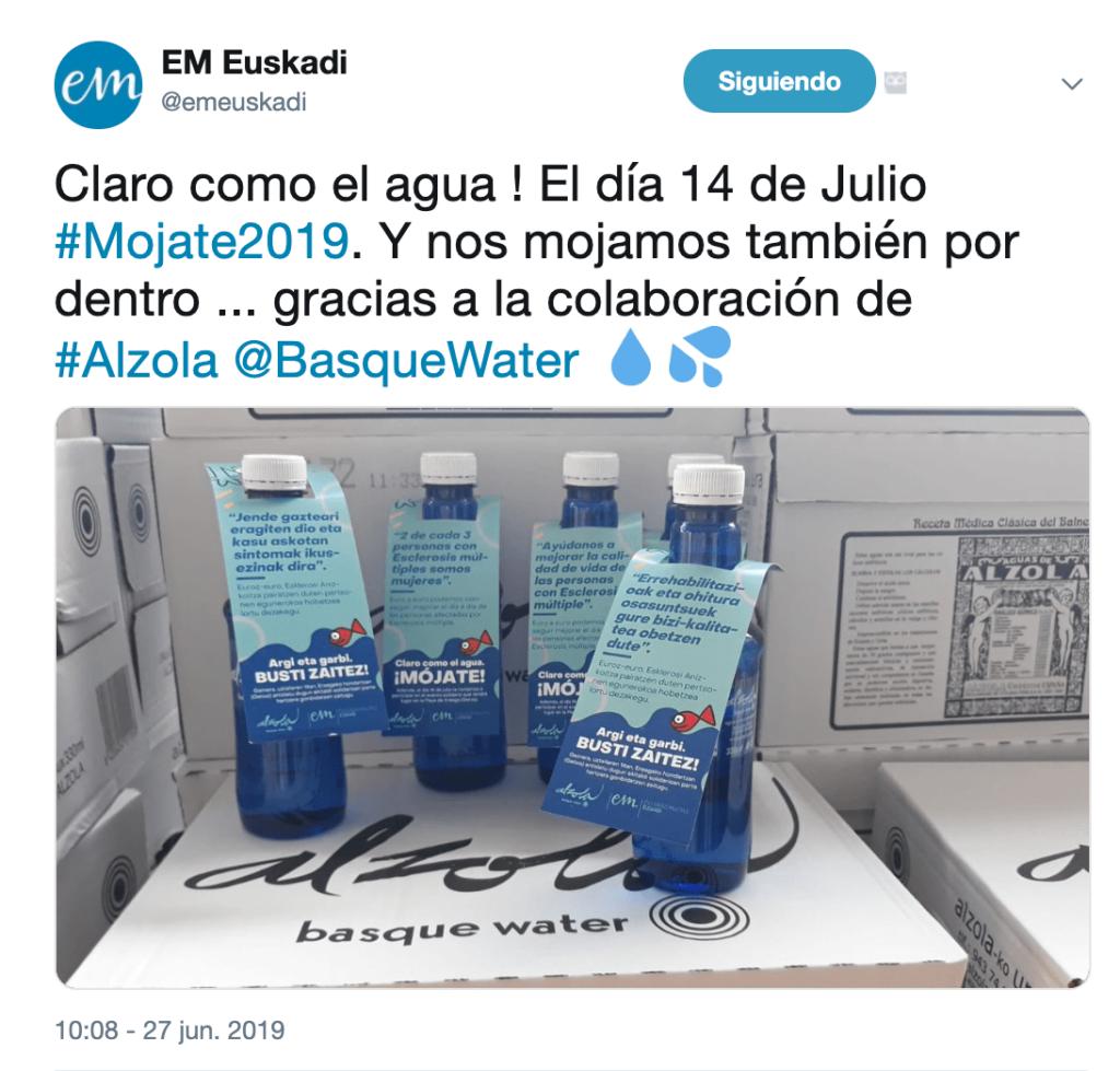Botellas de Alzola durante el Mojate2019