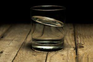 El principio causa efecto en el agua esencia Alzola Basque Water