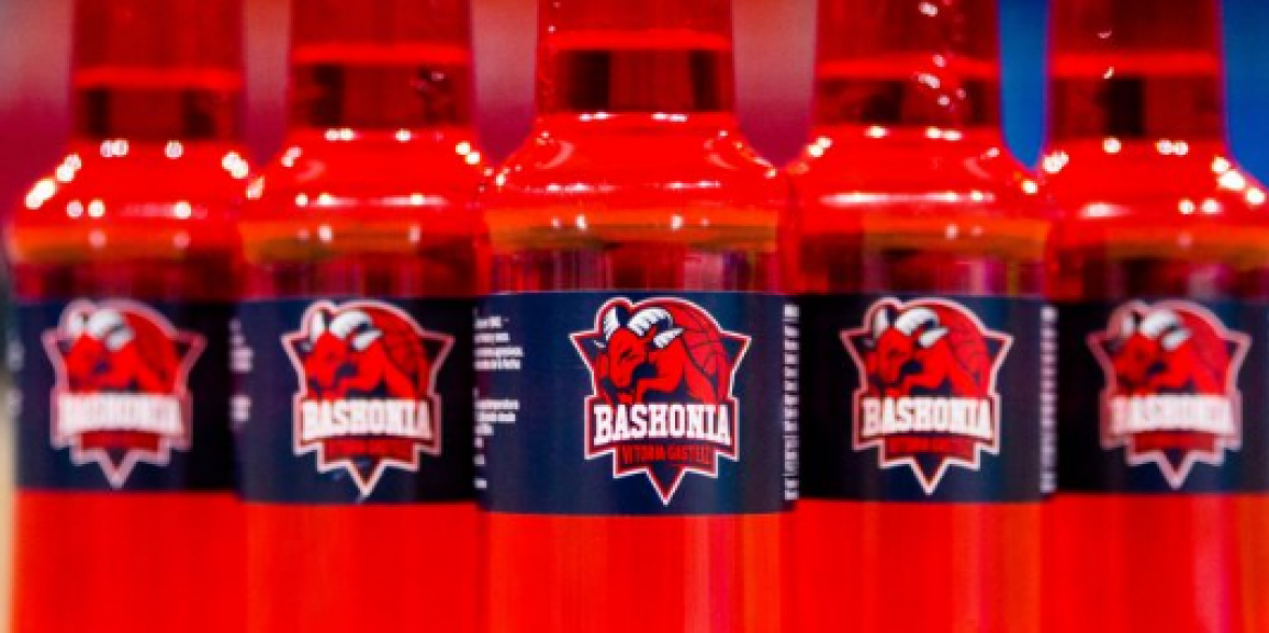 Aker, the Goat from the Saski Baskonia will drink #BasqueONWater